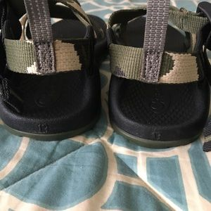0e1ac34d22ef Chaco Shoes - Chaco Z1 Camo Classic Sandals Boys Size 13